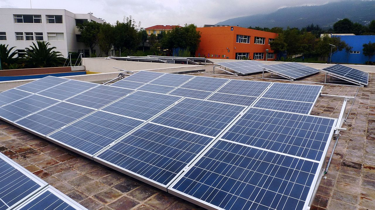 Solardachprogramm dena-Renewable-Energy-Solutions